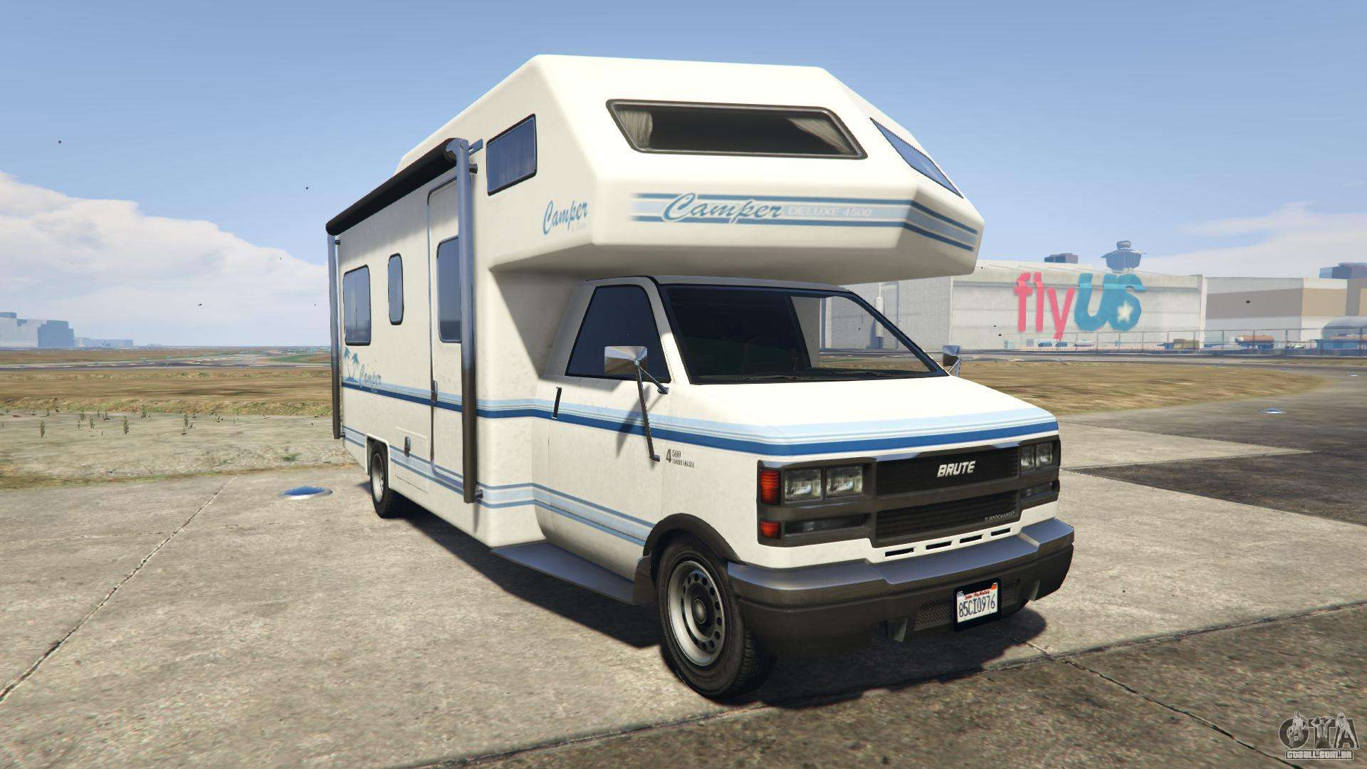 GTA 5 Brute Camper - vista frontal