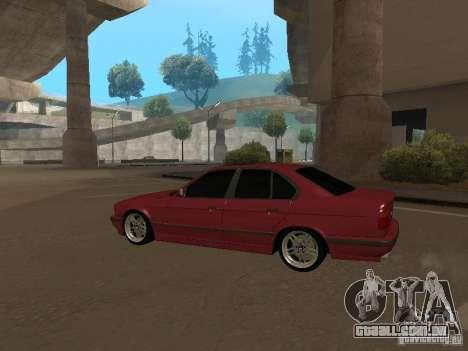 BMW E34 M5 para GTA San Andreas traseira esquerda vista