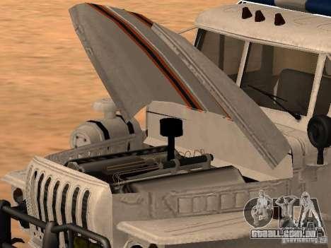 Ural 4320 MOE para GTA San Andreas traseira esquerda vista