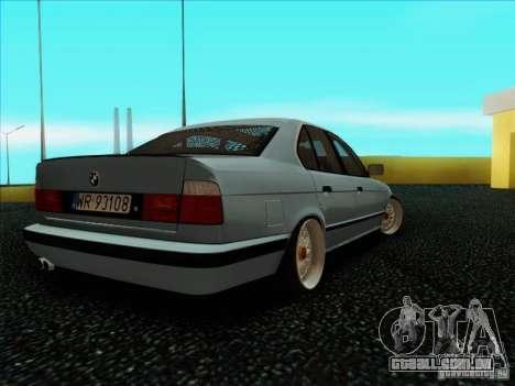 BMW 5 series E34 para GTA San Andreas traseira esquerda vista