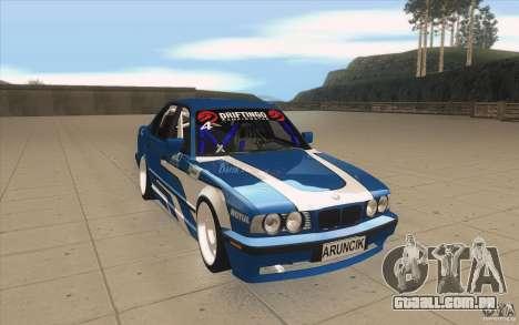 BMW E34 V8 para GTA San Andreas vista traseira