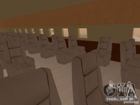 AT400 with full Interior para GTA San Andreas vista direita