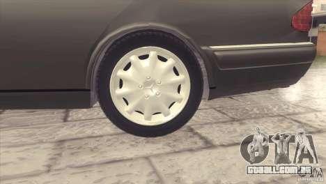 Mercedes-Benz E320 Funeral Hearse para GTA San Andreas vista traseira