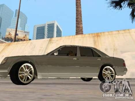 Mercedes-Benz W124 E500 para GTA San Andreas traseira esquerda vista