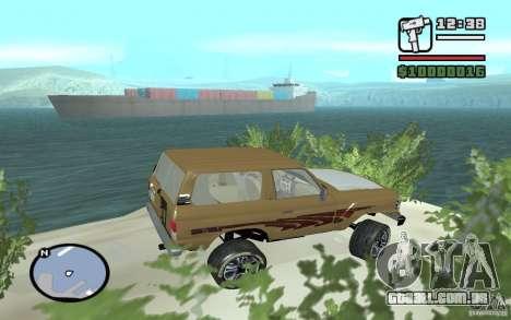 Toyota Land Cruiser 70 para GTA San Andreas esquerda vista