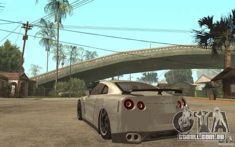 Nissan GTR SpecV 2010 para GTA San Andreas traseira esquerda vista