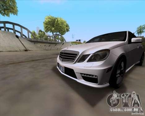 Mercedes-Benz E63 AMG V12 TT Black Revel para GTA San Andreas esquerda vista