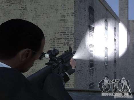 Flashlight 4 Weapons v1.0 para GTA 4