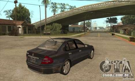 Mercedes-Benz E500 2003 para GTA San Andreas vista direita
