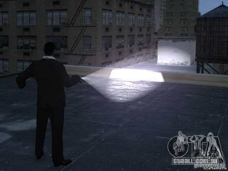 Flashlight 4 Weapons v1.0 para GTA 4 segundo screenshot