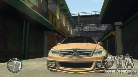 Mercedes-Benz C63 para GTA 4 vista lateral