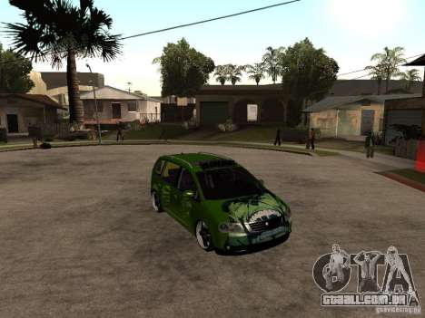 Volkswagen Touran The Hulk para GTA San Andreas vista direita