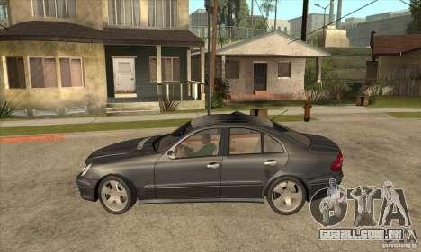 Mercedes-Benz E500 2003 para GTA San Andreas esquerda vista