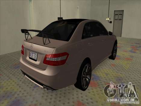 Mercedes-Benz E63 AMG Black Series Tune 2011 para GTA San Andreas traseira esquerda vista