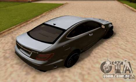 Mercedes-Benz C63 AMG para GTA San Andreas vista inferior