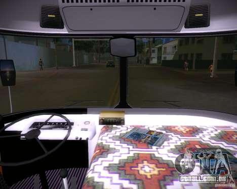 Paz-672 para GTA Vice City vista traseira