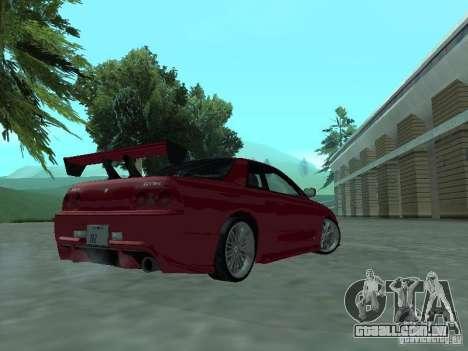 Nissan Skyline R32 Tuned para GTA San Andreas vista direita