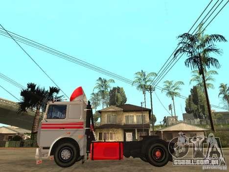 MAZ 543205 Tuning para GTA San Andreas esquerda vista