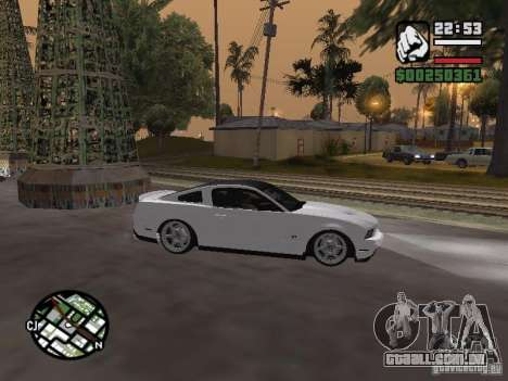 Ford Mustang GT B&W para GTA San Andreas vista direita
