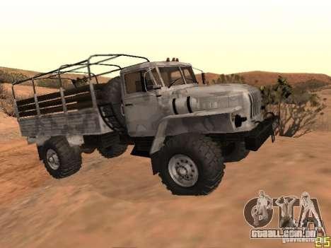 Ural-43206 inverno Camo para GTA San Andreas vista direita