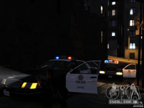 Ford Crown Victoria LAPD v1.1 [ELS] para GTA 4 vista lateral