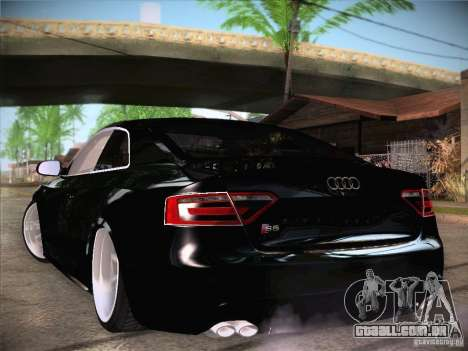 Audi RS5 para GTA San Andreas vista direita