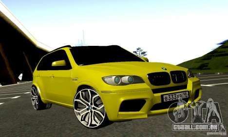 BMW X5M ouro para GTA San Andreas vista traseira