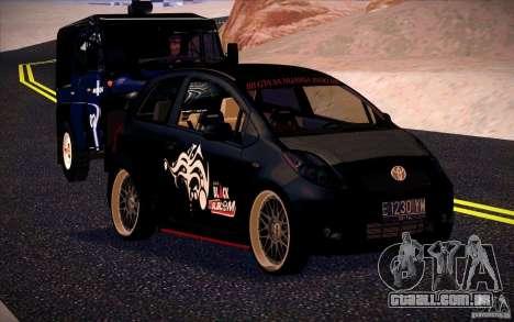 Toyota Yaris para GTA San Andreas esquerda vista