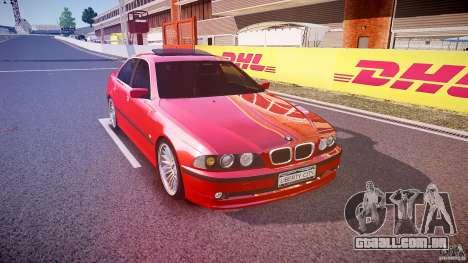 BMW 530I E39 stock chrome wheels para GTA 4 vista de volta