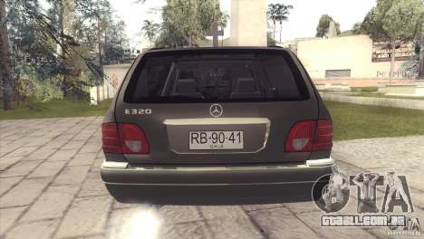 Mercedes-Benz E320 Funeral Hearse para GTA San Andreas vista interior