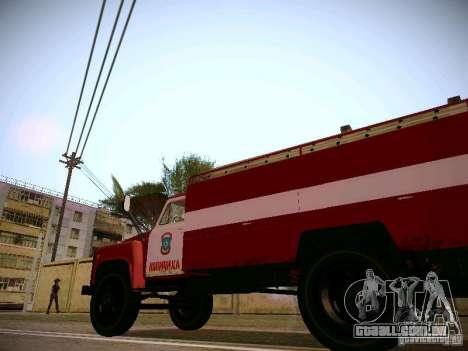 Mangueira de gás 30 53 fogo para GTA San Andreas vista traseira