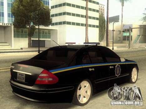 MERCEDES BENZ E500 w211 SE polícia Ucrânia para GTA San Andreas esquerda vista