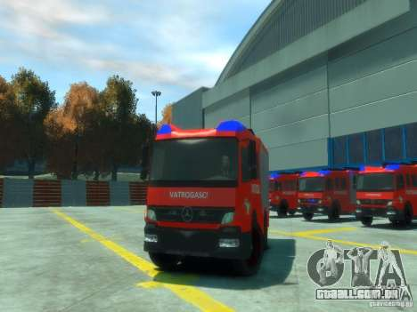 Mercedes-Benz Atego Fire Departament para GTA 4 vista interior