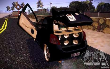 Toyota Yaris para GTA San Andreas vista interior