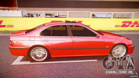 BMW 530I E39 stock chrome wheels para GTA 4 vista interior