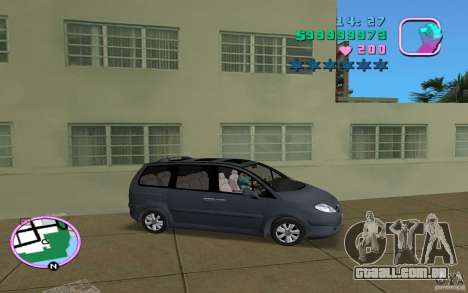 Citroen C8 para GTA Vice City vista direita
