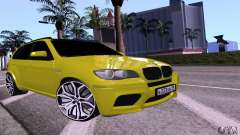 BMW X5M ouro