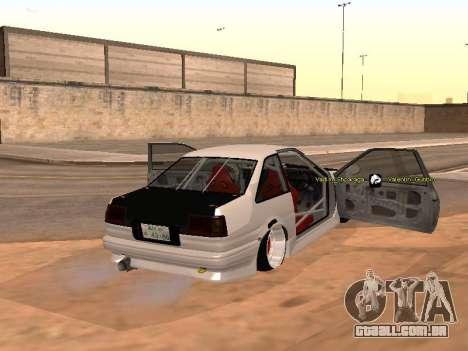 Toyota Corrola GTS JDM para GTA San Andreas traseira esquerda vista