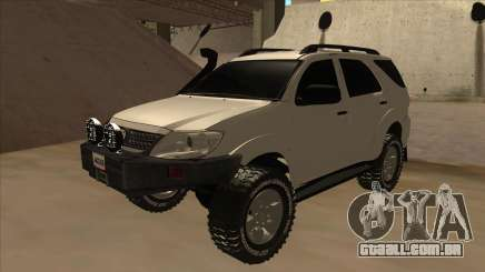 Toyota Fortunner 2012 Semi Off Road para GTA San Andreas