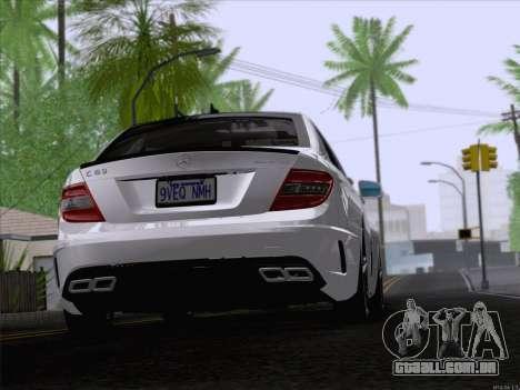 Mercedes-Benz C 63 AMG para GTA San Andreas traseira esquerda vista