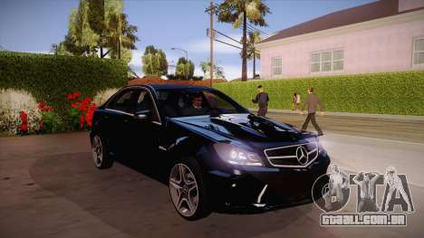 Mercedes-Benz C 63 AMG para GTA San Andreas vista interior