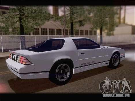 Chevrolet Camaro IROC-Z 1990 para GTA San Andreas vista inferior