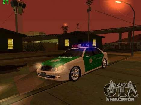 Mercedes-Benz  E500 Polizei para GTA San Andreas vista interior