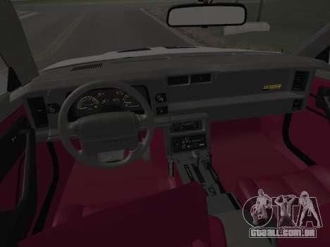 Chevrolet Camaro IROC-Z 1990 para as rodas de GTA San Andreas