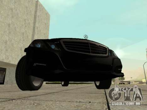 Mercedes-Benz w212 E-class Estate para GTA San Andreas esquerda vista