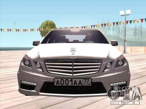 Mercedes-Benz E63 AMG 2010 para GTA San Andreas esquerda vista