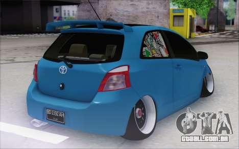 Toyota Yaris Hellaflush Young Child para GTA San Andreas traseira esquerda vista