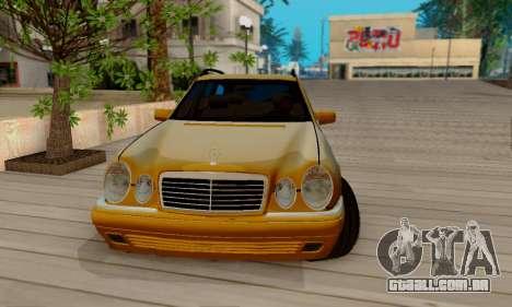 Mercedes-Benz E320 Wagon para GTA San Andreas vista interior