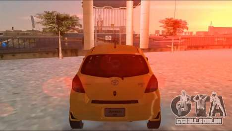 Toyota Yaris para GTA Vice City vista direita