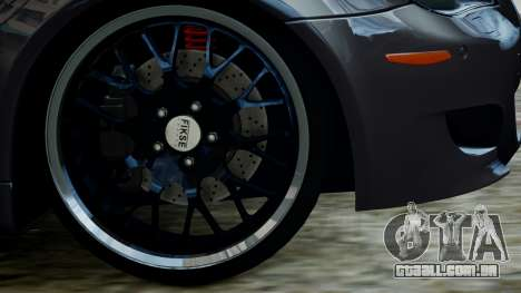 BMW M5 E60 v1 para GTA 4 vista direita